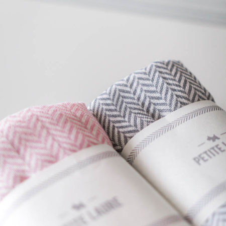 swaddle HERRINGBONE LIGHT PINK 2