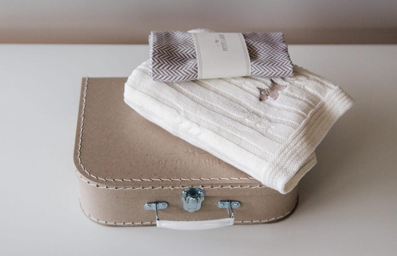 Zestaw prezentowy dla niemowlęcia #8 : Kocyk niemowlęcy Scandinavian oraz muślinowa bambusowa pieluszka.