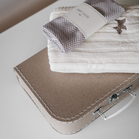 Baby gift set: Scandinavian baby blanket  and muslin baby bamboo swaddle packed in our elegant suitcase with our logo.